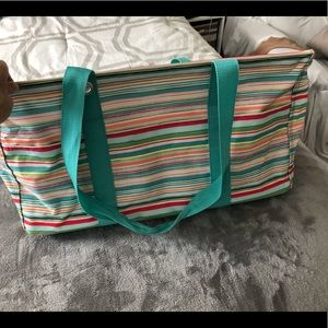 Thirty One Deluxe Utility Tote EUC Side handles.